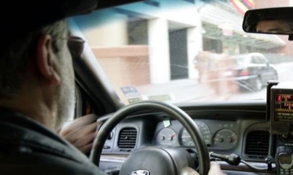 hi-istock-cab-driver-852-8col